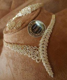 Markings For Gold Jewelry Key: 7135450556 Stylish Jewelry, Modern Jewelry, Luxury Jewelry, Jewelry Sets, Fashion Jewelry, Gold Jewelry, Infinity Necklace, Indian Jewelry, Wedding Jewelry