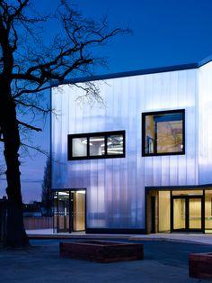 Polycarbonate Facade - Graveney School Sixth Form Block by Urban Projects Bureau