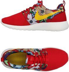 Nike Women Sneakers on YOOX. The best online selection of Sneakers Nike. Sneakers Street Style, Red Sneakers, Sneakers Nike, Floral Print Shoes, Floral Flats, Nike Low Tops, Nike Trainers, Red Shoes, Bag Accessories