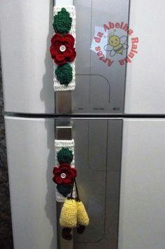 Pegador de protector de nevera yolira Crochet Case, Crochet Towel, Free Crochet, Crochet Designs, Crochet Patterns, Crochet Kitchen, Crochet Flowers, Crochet Projects, Diy And Crafts