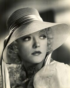 Marion Davies - @~ Marion sports a straw hat ~ deep crown with broad brim ~ with lovely sash