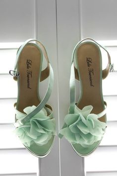 Gold and Mint Wedding Ideas | Mint green weddings, Green weddings ...