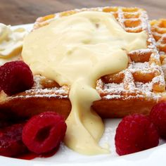 A great getaway includes breakfast, of course! All AAA members can enjoy a hearty meal with their nightly stays. Clean Eating Diet, Clean Eating Recipes, Healthy Eating, Easy Waffle Recipe, Waffle Recipes, Healthy Soup Recipes, Healthy Snacks, Comida Delivery, National Waffle Day