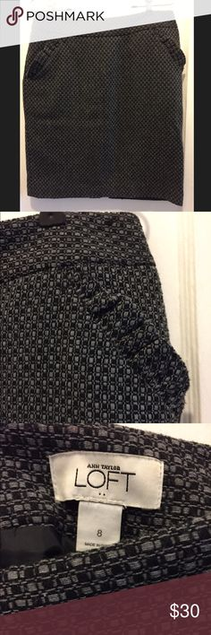 Anne Taylor Loft Black and gray checkered skirt Black and gray checker patter skirt. Two front pockets and zips in back. Knee length. Great for work. LOFT Skirts