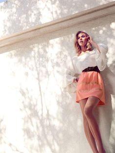 Hoss Intropia Spring/Summer 2013 Lookbook: http://www.fashionisers.com/fashion-news/hoss-intropia-spring-summer-2013-lookbook/