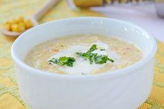 Wir empfehlen Ihnen eine sehr feine pürierte Maiscremesuppe mit Gemüse und Sahne auszuprobieren.