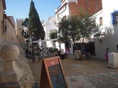 Sitges (pronunciado en catalán [ˈsidʒəs])