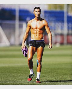 17 smoking hot photos of Cristiano Ronaldo in and out of his kit Cr7 Ronaldo, Cristiano Ronaldo 7, Cristiano Ronaldo Wallpapers, Ronaldo Soccer, Soccer Guys, Soccer Players, Nike Soccer, Soccer Cleats, World Cup