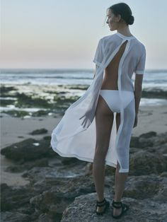 I'm getting married in Mexico later this year, so I spend most of my time dreaming of the perfect travel wardrobe to wear for our wedding week. When I came across this editorial in Vogue Netherlands, the search was over. This editorial reads as my wedding week wardrobe inspiration board. From lightweight airy beach cover …
