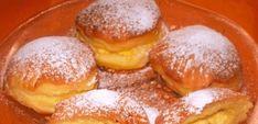 Skvelý recept na plnené domáce mini-šišky bez vyprážania. Cesto je nadýchané ako bavlnka a chutia fantasticky aj na druhý deň! Pretzel Bites, Hamburger, French Toast, Food And Drink, Bread, Breakfast, Mini, Basket, Morning Coffee