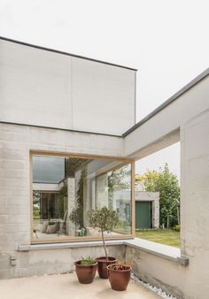 House C-VL | Leibal Contemporary Architecture, Architecture Design, Brick Construction, Brick Facade, Minimal Home, Minimalist House Design, Courtyard House, Windows And Doors, Outdoor Decor