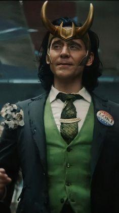 Loki Marvel, Marvel Funny, Marvel Movies, Loki Avengers, Thomas William Hiddleston, Tom Hiddleston Loki, Loki Wallpaper, Marvel Background, Super Secret