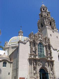 Museum of Man      San Diego:  Estudia inglés en California con opción de hacer Surf.      San Diego responde a la imagen que todos tenemos de California. En su magnífico embarcadero puedes pasear y maravillarte con la vista de los rascacielos reflejados en la bahía. Nuestro centro está situado en el magnífico campus de la San Diego State University.    #WeLoveBS #inglés #idiomas #SanDiego  #California #CA #EstadosUnidos #EstatsUnits #USA