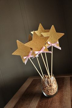 Fairy Wands for Pink and Gold Birthday Party Decoration Star Centerpiece. Glitter Birthday Parties, Pink And Gold Birthday Party, Elegant Birthday Party, Birthday Party Decorations, Sailor Moon Birthday, Star Centerpieces, Tea Party Theme, Cinderella Birthday, Fairy Wands