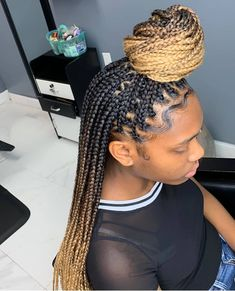 Hottest Hair Color Trends for Women in 2019 Hot Hair Colors, Beautiful Hair Color, Black Girls Hairstyles, Protective Hairstyles, Hair Journey, Cornrows, Braid Styles, Box Braids, Color Trends