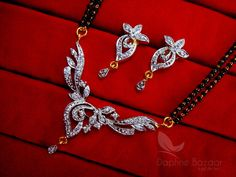 Daphne Flora Art Zircon Leafs Mangalsutra set for Women, Gift for Wife – Buy Indian Fashion Jewellery Diamond Necklace Set, Diamond Jewelry, Gold Jewelry, Gold Necklace, Gifts For Wife, Send Gifts, New Girl Style, Pearl Set, Indian Jewelry
