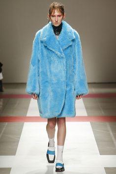 Iceberg Fall 2016 Ready-to-Wear Fashion Show