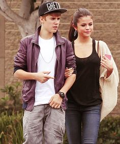 If u think they ARE still dating like or REPIN this