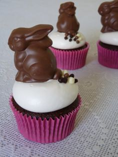 Easter cupcakes. Easter bunny. Bunny poop cupcakes. Chocolate cupcakes. Chocolate bunny.