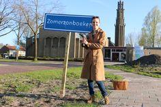 """GuerillaPoëzie, Popup-poëzie door heel Klazienaveen: """"Zomerzonboeken"""""""