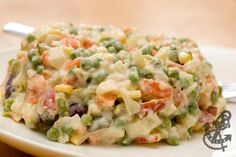 Recipe for traditional Polish vegetable salad with lots of root veggies and mayonnaise. Polish Salad Recipe, Polish Recipes, Polish Food, Vegetable Salad Recipes, Different Recipes, Soul Food, Pasta, Food And Drink, Cooking Recipes