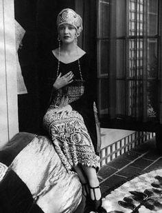 Natacha Rambova - Love the skirt!!!