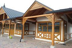 Drewno jest znanym od zarania dziejów materiałem konstrukcyjnym i budowlanym. Do dnia dzisiejszego nie ma sobie równych jeśli chodzi o wszechstronność wykorzystania: można z niego zrobić więźbę dachową, szkielet domu, a nawet zbudować kompletny budynek. www.liderbudowlany.pl