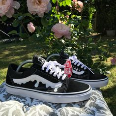 Everyone needs a pair of these this summer👞 get this design with your own personalisations for a discounted price! Cool Vans Shoes, Vans Shoes Fashion, Custom Vans Shoes, Cute Vans, Mens Vans Shoes, Me Too Shoes, Vans Men, Painted Vans, Painted Shoes