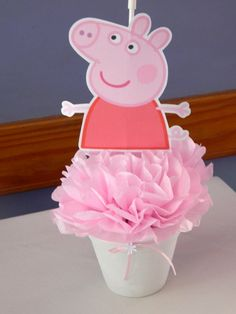 Paula L's Birthday / Peppa Pig - Photo Gallery at Catch My Party Girl Birthday Themes, Pig Birthday, 4th Birthday Parties, Birthday Party Decorations, Birthday Centerpieces, Birthday Ideas, Princess Peppa Pig Party, Fiestas Peppa Pig, Papa Pig