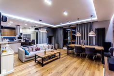 APARTAMENT NAD MORZEM - Średni salon z kuchnią z jadalnią z tarasem / balkonem, styl vintage - zdjęcie od STUDIO FORMA