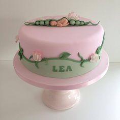 Sweet pea baby cake