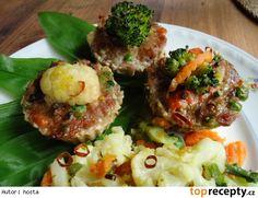 Masovo - zeleninové muffiny Lidl, Salmon Burgers, Baked Potato, Potatoes, Baking, Ethnic Recipes, Cupcakes, Food, Cupcake Cakes