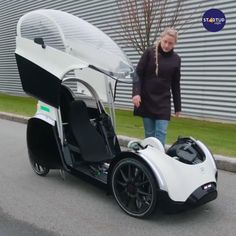 Velo Design, Bicycle Design, Petit Camping Car, Tent Camping, E Quad, Velo Cargo, Cool Gadgets For Men, Recumbent Bicycle, Futuristic Cars