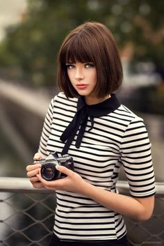 5 short layered bob hairstyles: best layered bob hairstyles ever Short Bob Hairstyles bob Hairstyles Layered Short Medium Hair Styles, Short Hair Styles, Layered Bob Short, Short Bob Fringe, Layered Bobs, Layered Bob Hairstyles, Bob Hairstyles With Bangs, Girl Hairstyles, Short Hair With Bangs