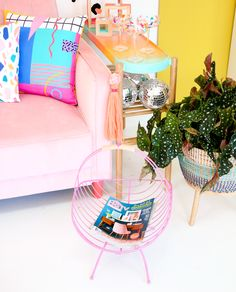 Pink spray paint and leather make this simple magazine rack makeover a show stopper! Use it to corral magazines or for wood for your fireplace. Dyi Crafts, Diy Arts And Crafts, Creative Crafts, Diy Crafts For Kids, Home Crafts, Diy Beauty Projects, Diy Craft Projects, Pink Spray Paint, Diy Confetti