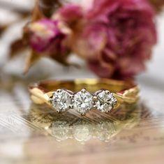 The Vintage Twisted Terminal Three Stone Diamond Gold Ring