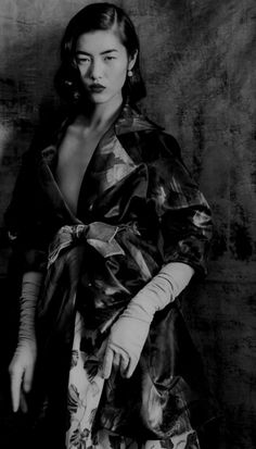 Photography by Paolo Roversi : Liu Wen. S)