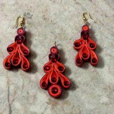 J 61 - Quilled earrings & pendant - 2.5in