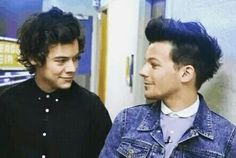 Harry and Louis ♡ honestly look at the love and adoration in their eyes dont tell me u cant see it.