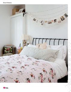Pay attention to the pictures atop the bed....those pics....above my bed.....Postcards on string,clipped up with close pins... :D IDEAS!!!