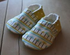DIY Baby Shoes! Free Sewing Pattern. Love These!!! @Candice McReynolds ......Thought of yall...Miss yall so much