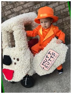 Easy College Halloween Costumes, Halloween Crafts For Toddlers, Diy Halloween Costumes For Women, Baby Halloween, Halloween Makeup, Halloween Recipe, Halloween Decorations, Group Halloween, Devil Halloween