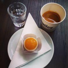 E aí você descobre que o café que inauguraram no térreo do prédio em que trabalha é um Suplicy @suplicy_cafes  #suplicycafes #cafeespecial #cafesuplicy #espresso #posalmoco #cafedatarde #cafezinho #horadocafe #cafe #coffee #coffee #coffeebringsmejoy #coffeelover #instacoffee #coffeegram #depratosaprosas
