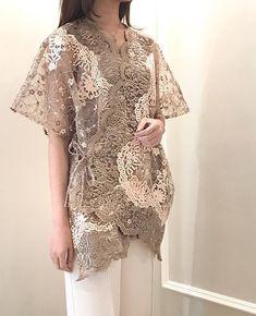 Source by rizkymawarnis outfits formal Indo Western Kurti, Kebaya Modern Dress, Kebaya Lace, Kaftan Gown, Model Kebaya, Kebaya Muslim, Blouse Outfit, Unique Dresses, Party Wear
