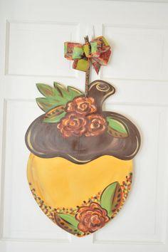 Acorn Door hanger by LessieAdoorableSigns on Etsy Cute Crafts, Fall Crafts, Halloween Crafts, Burlap Door Hangers, Fall Door Hangers, Wooden Initials, Door Hanger Template, Diy Cutting Board, Wood Cutouts