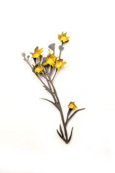 NINA ELLIS-AU/ Works / Brooches Weeds - Dandelion Brooch  2011  Mild steel & sterling silver