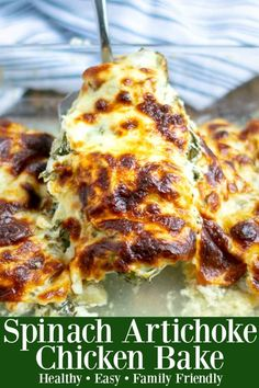 This healthy & easy Spinach Artichoke Chicken Bake recipe is the perfect low-carb meal. Based off your favorite creamy dip, it will be a new family favorite Healthy Baked Chicken, Baked Chicken Recipes, Chicken Dips, Baked Chicken Legs, Cracker Chicken, Lemon Chicken, Shredded Chicken, Spinach Artichoke Chicken, Artichoke Dip
