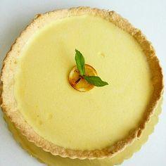 Fresh lemon tart