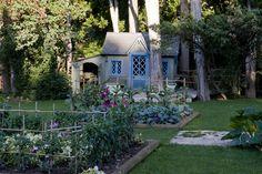Maison d'enfants au potager de l'Abbaye de Pierredon-Dominique Lafourcade