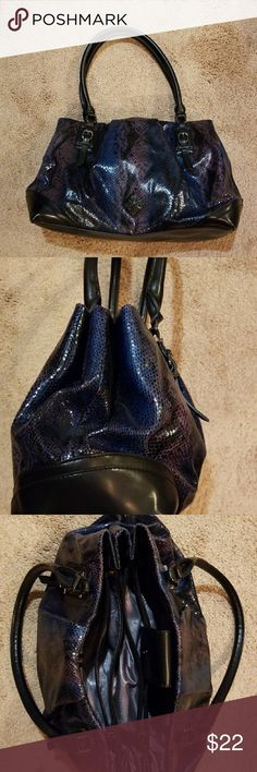 """Simply Vera  VERA WANG  purse Snakeskin- look in colors of navy, light purple, &pm black15"""" at the widest, 10"""" tall 9"""" handles. Two extra, big pockets in the middle Simply Vera Vera Wang Bags Mini Bags"""